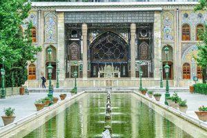 آثار تاریخی تهران,بناهای تاریخی تهران,تخت مرمر در کاخ گلستان تهران