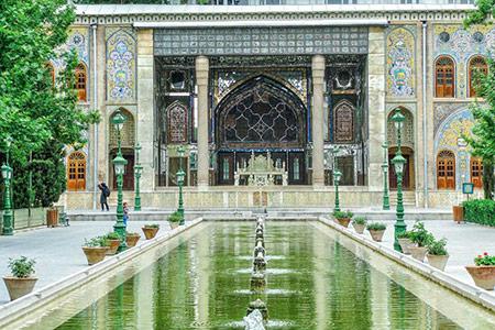 آثار تاریخی تهران,بناهای تاریخی تهران ,تخت مرمر در کاخ گلستان تهران
