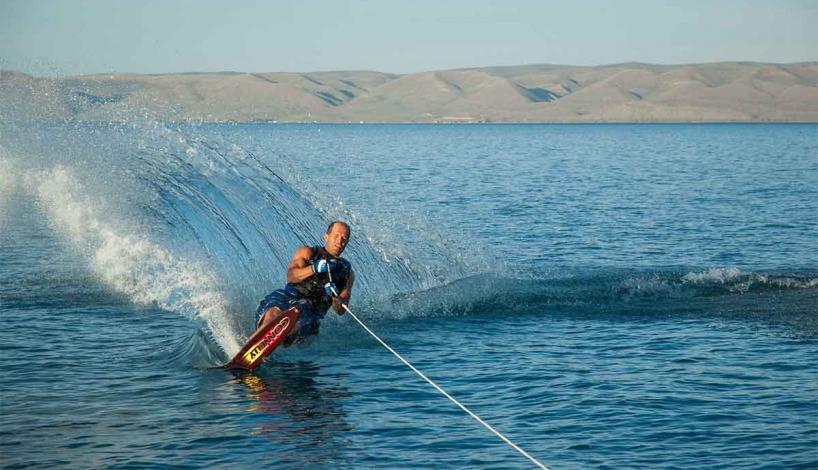مکان های لاکچری تهران اسکی روی آب